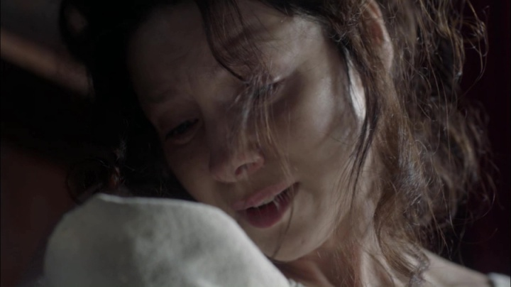 Resultado de imagem para Claire reacts to Faith's stillbirth, outlander